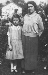Margaret Skitch and her mother, Olive (nee Frederick)